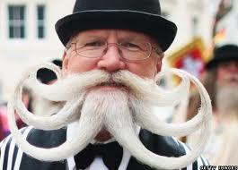 モテ考察:ワイルド感と男らしさを出すためにひげを生やすのはアリか?