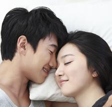 恋人と一緒に寝たい?それとも別々のベッドが良い?の正解って何だと思う?